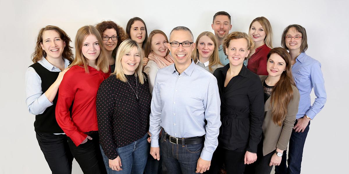 Plunet Customer Story_Sprachenfabrik_Hero image_team_mobile